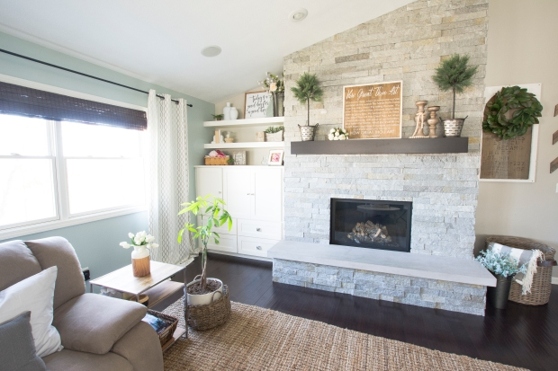 spring-home-tour-living-room-fireplace-2017-graceinmyspace-com