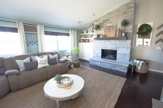 spring-home-tour-living-room-side-2017-graceinmyspace-com
